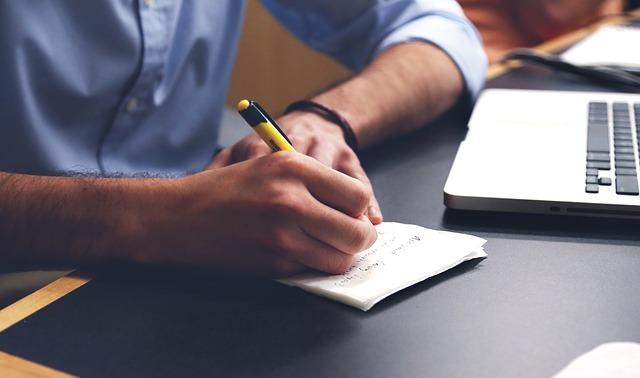 アルバイト経験のみの職務経歴書を「魅力的に見せる」書き方とは?
