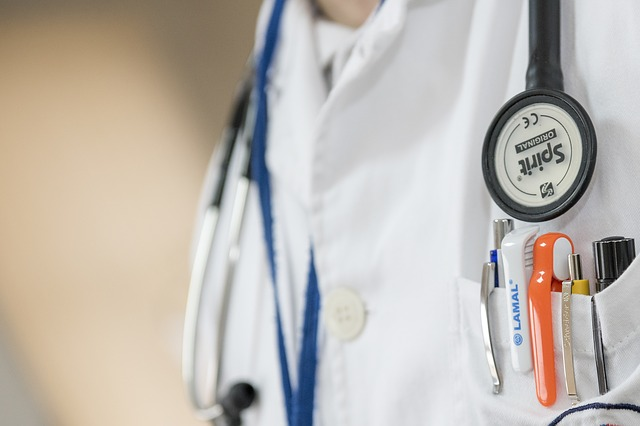 健康診断費用は自費か会社負担か?