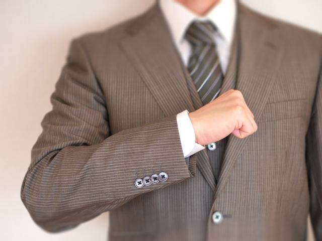 転職活動では何着てく?採用面接で気をつけたいスーツの着こなしとは