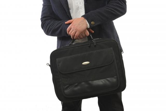 面接に持っていくかばんは大丈夫?転職活動で気を付けたいかばんのマナー