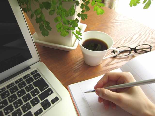 職務経歴書を定期的に更新する方法とメリット