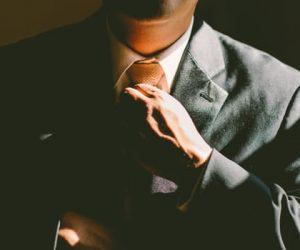 スーツをいつも素敵に見せる!簡単アイロンがけの方法