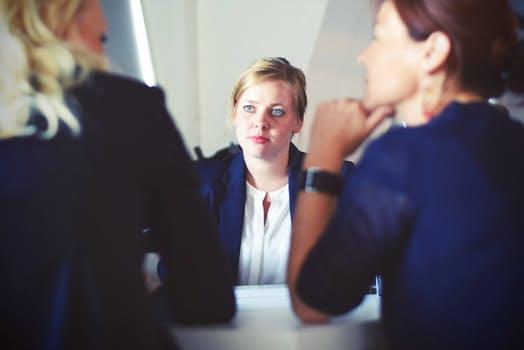 「自己紹介」はどこまで話す?転職活動における面接での自己紹介のコツ