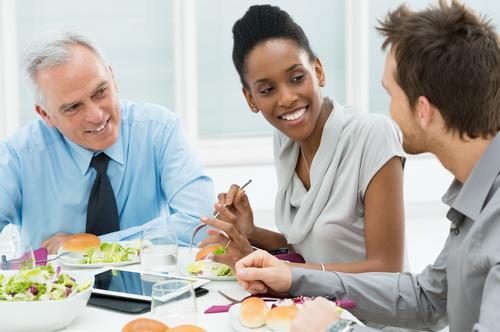 職場ランチの問題点と解決策。自分の気持ちと少しの配慮のバランスが重要