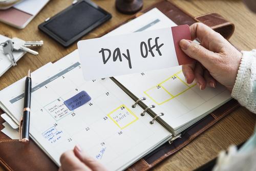 押さえておくべき休日の基礎知識。転職希望者や会社員は知らないと損するかも!