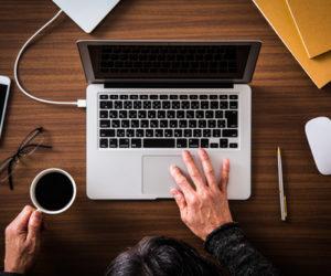 パソコンの技能を示すには職務経歴書は自作したほうがいい!