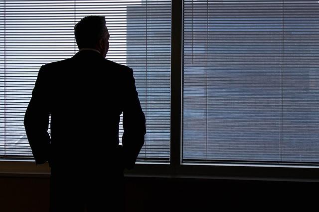 退職前の引き継ぎは計画的に!円満退職のために知っておきたい引き継ぎのコツ