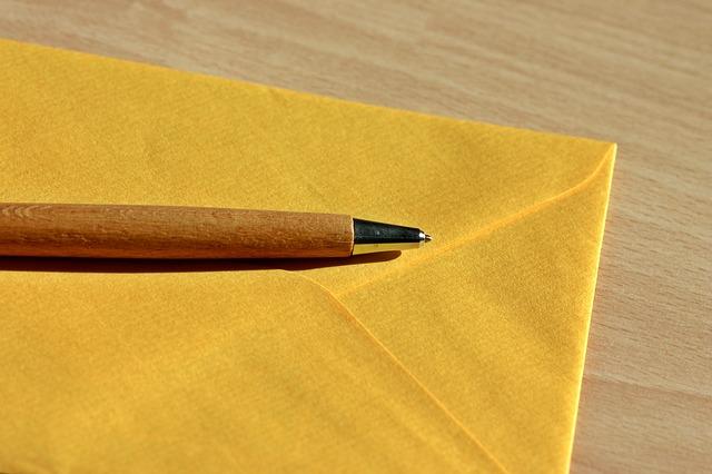 茶色はNG?!書類選考で知っておきたい封筒のマナー