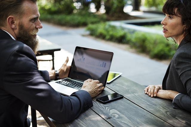 職場のセクハラは悩みを放置しないことが重要。具体的な解決策とは?