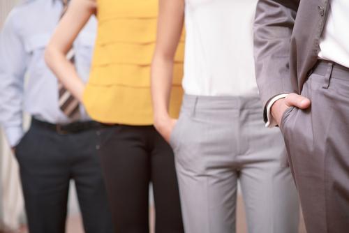 転職面接、「服装は自由、私服で」への対策とポイント