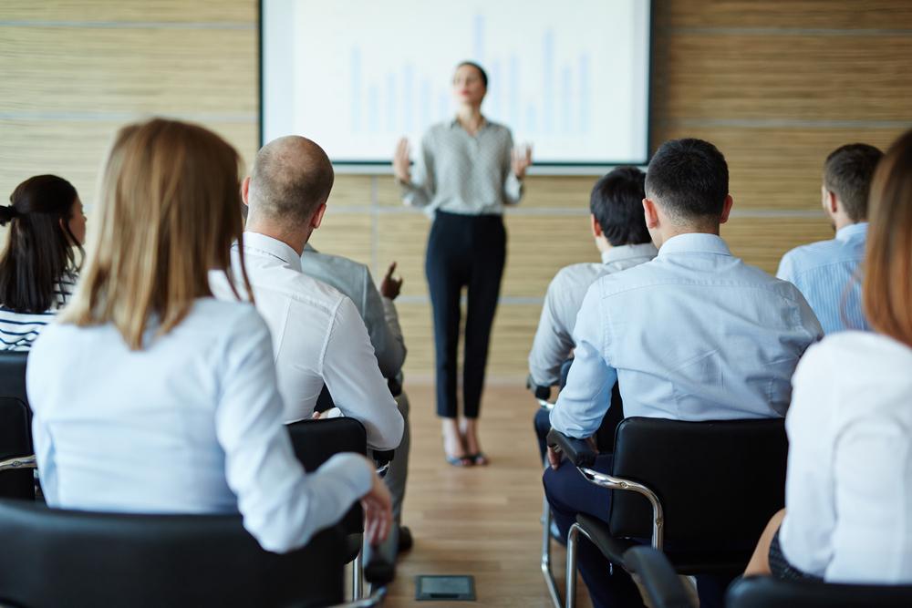 職場の「教え方上手」は何を伝えているのか