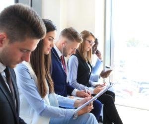 転職で何社応募する?「数」より内定に近づく方法