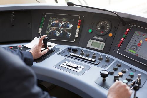 やっぱり諦められない!転職で電車運転士になりたい人が知っておくこと