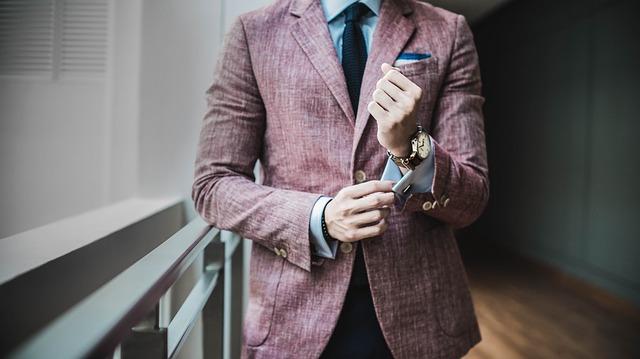 派遣登録の服装はどうする?好印象を与えるオフィスカジュアルのポイントを解説