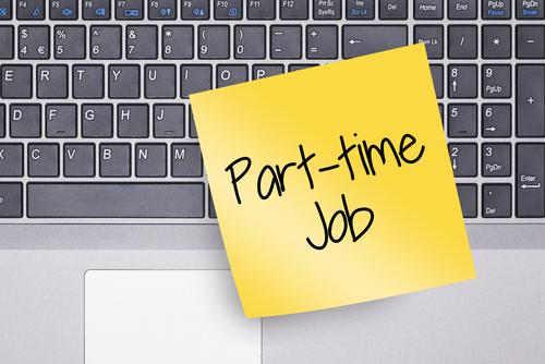 副業したいビジネスパーソンが知っておくべき、アルバイトのメリットとリスク
