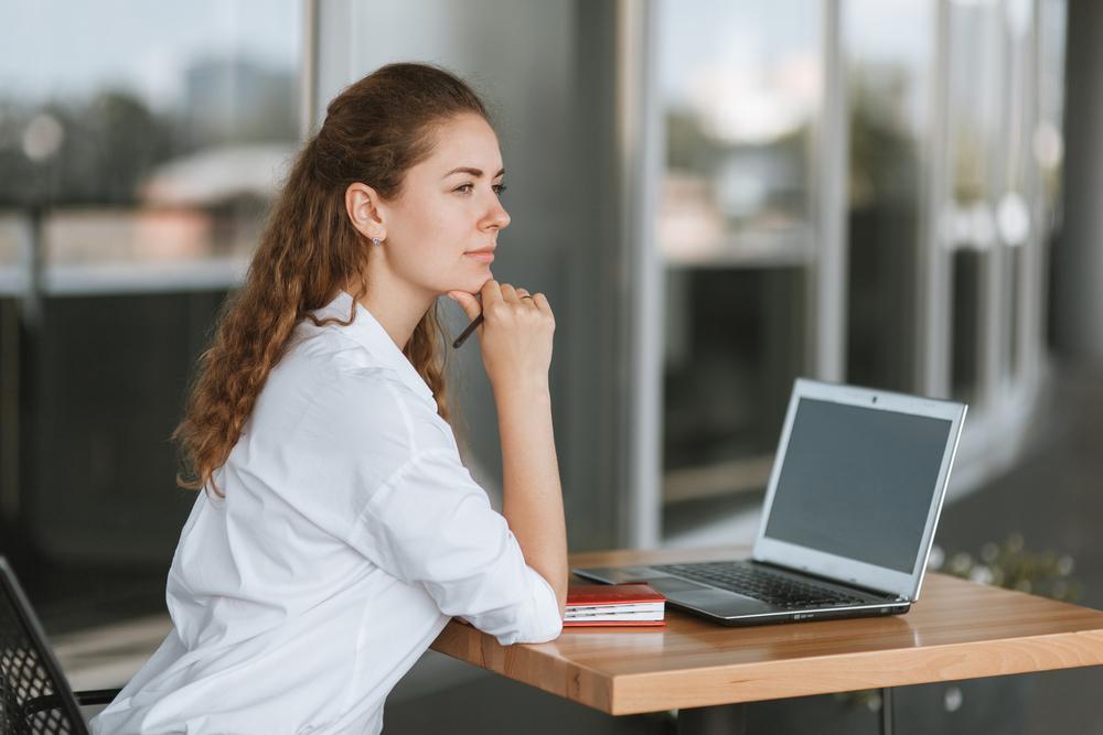 20代女性向けおすすめ転職サイトと特徴解説。20代女性が転職サイトを使うべき理由とは?