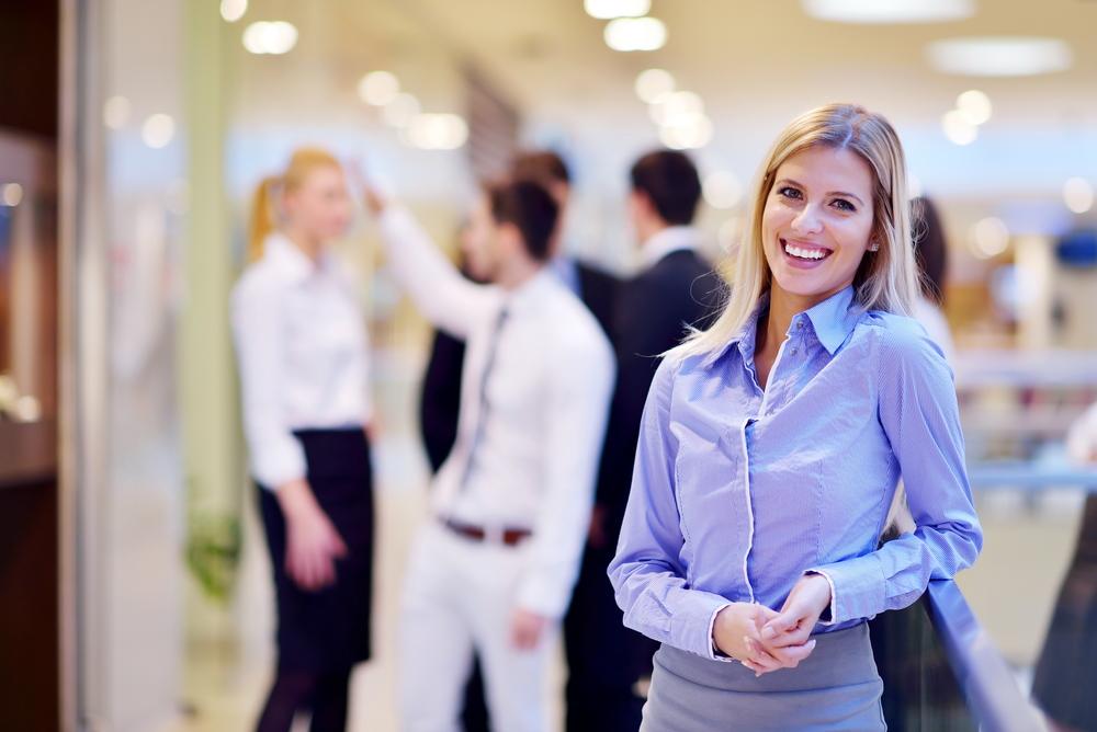 女性の営業職への転職事情をポイントまとめ
