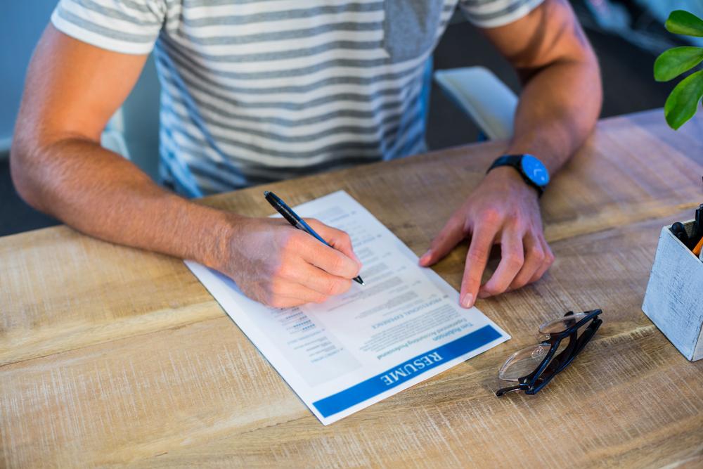 保育士転職で魅力的な履歴書の書き方とは?